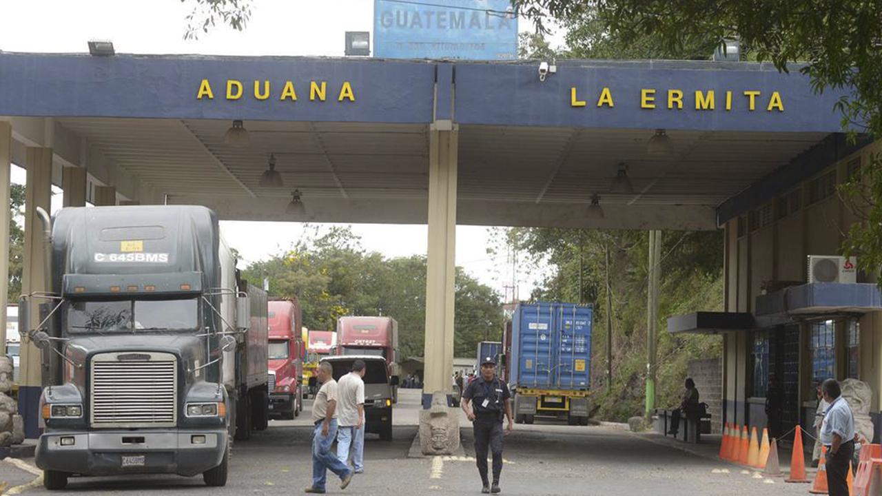 Contrabando: Qué hay detrás de los ataques a las aduanas en la frontera con México