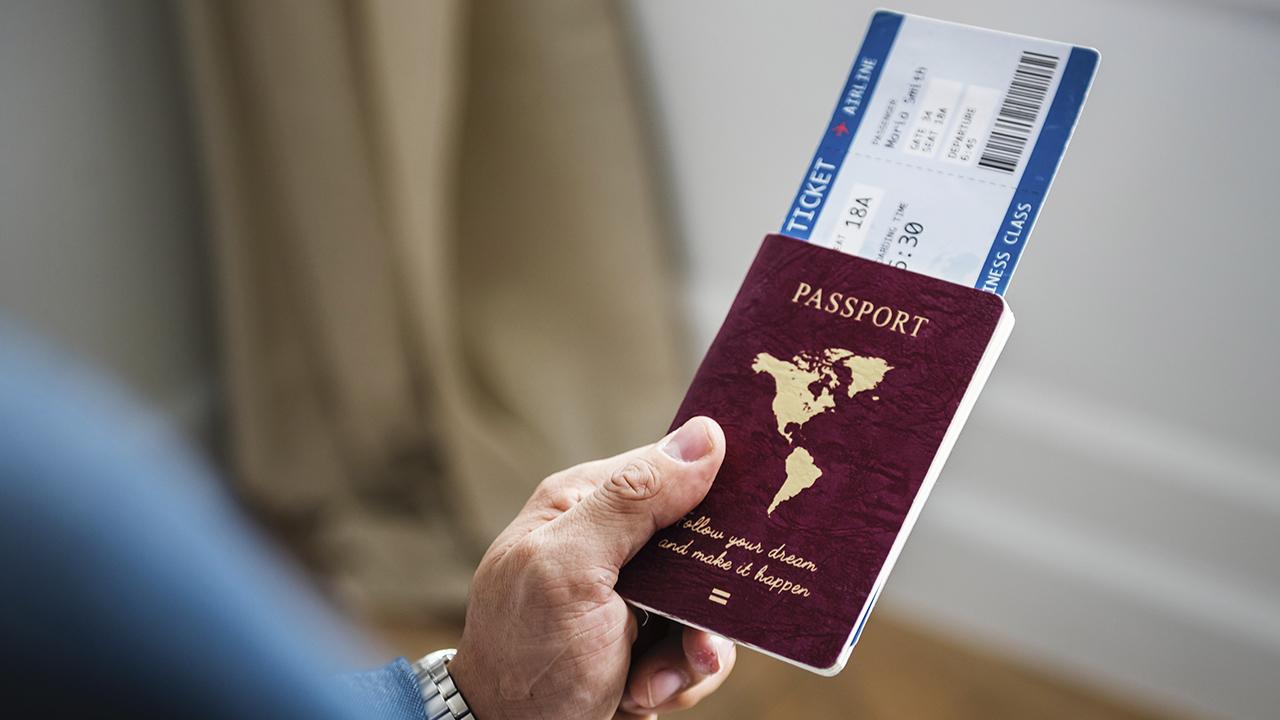 Dinamarca desarrolla 'pasaporte de vacuna' digital por COVID-19