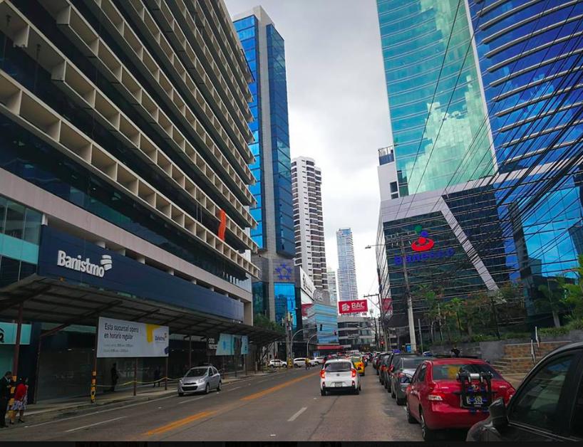 Ley que protege a consumidores pone en encrucijada a la banca en Nicaragua