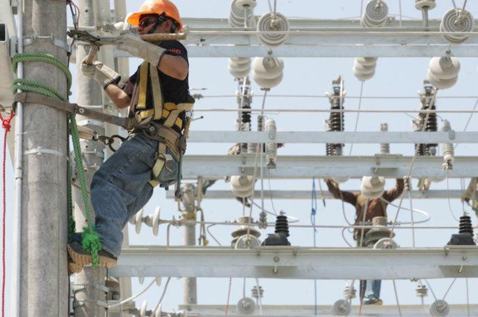 Tarifa de energía eléctrica sube 2.9% en El Salvador