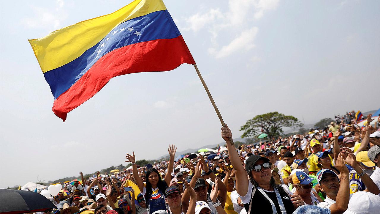 EU y otros países instan a venezolanos a buscar un Gobierno de transición