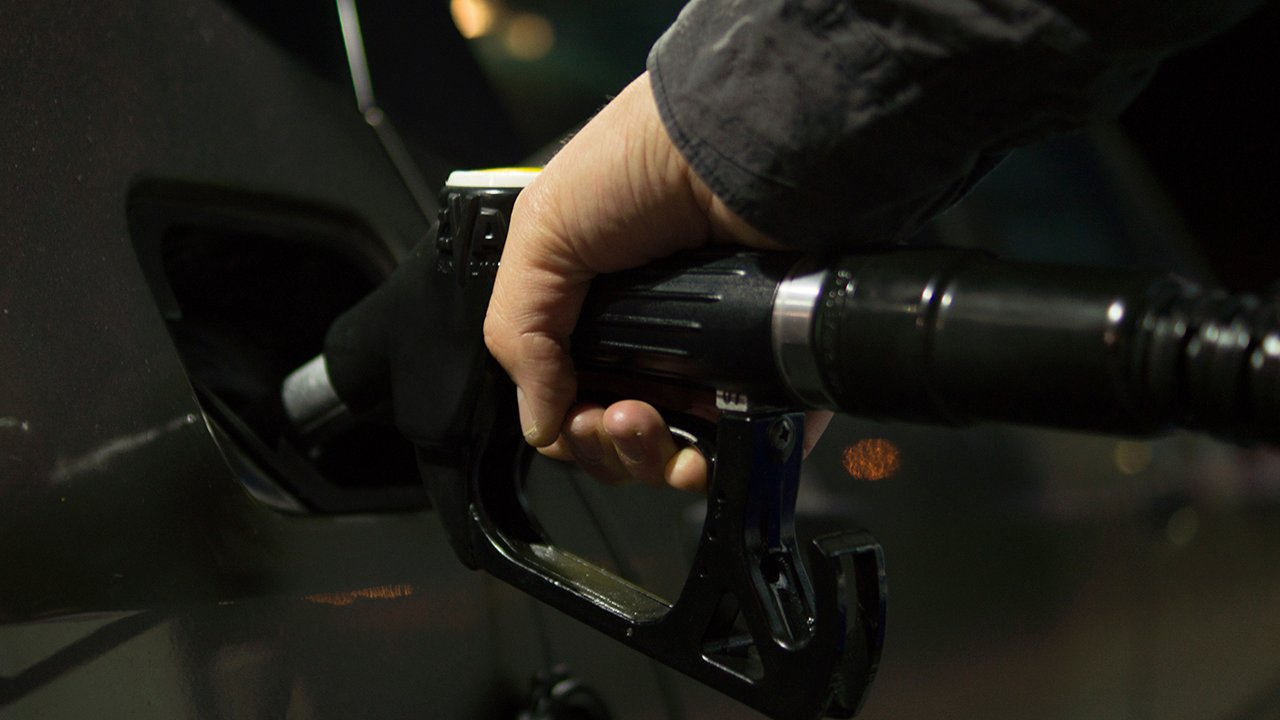 Coronavirus: Bajas en consumo de combustible e impuesto de vehículos reflejan parálisis económica