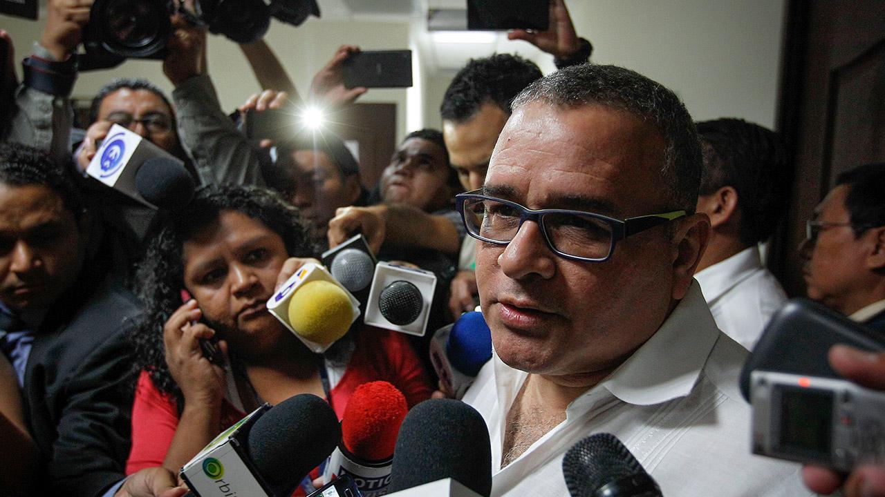 Corte de El Salvador amplía por seis meses instrucción contra expresidente Funes