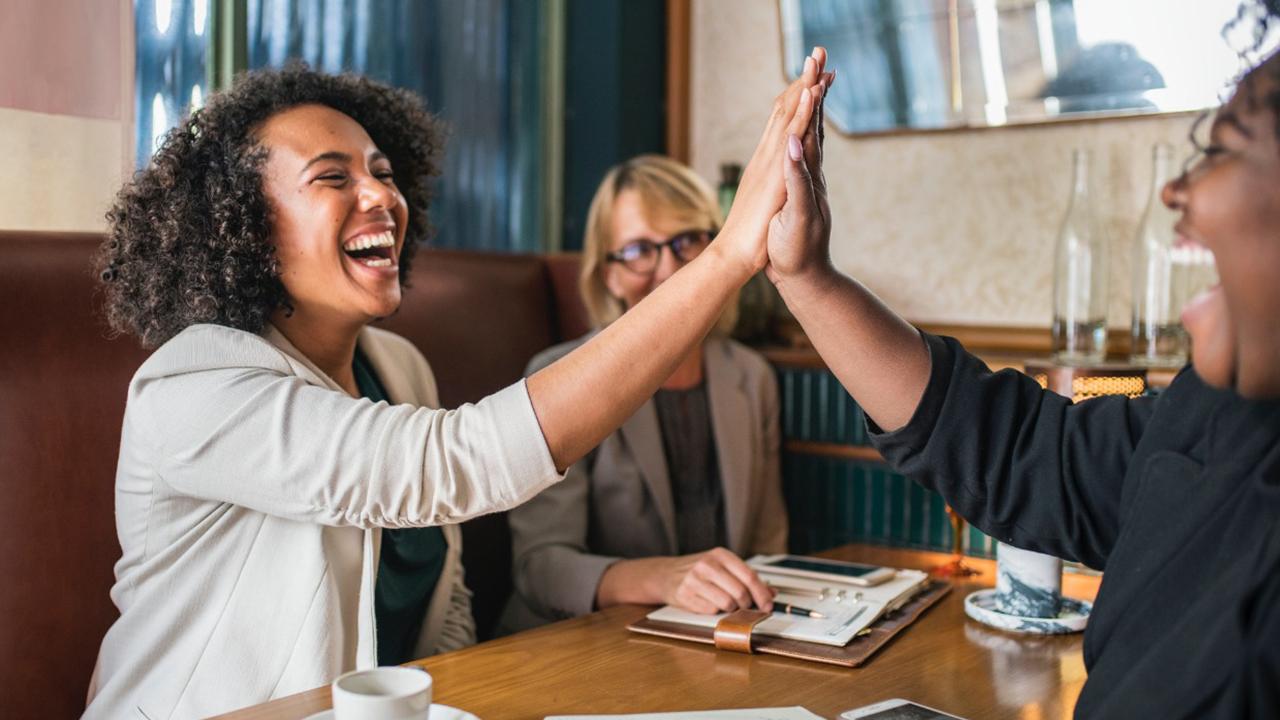 Tecnología, 'la chispa' del emprendimiento de las mujeres