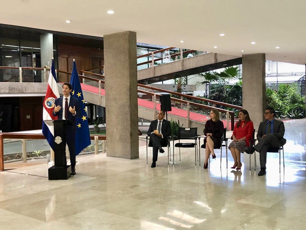 Costa Rica gana 5.6 mdd para los 15 territorios del Tren Eléctrico