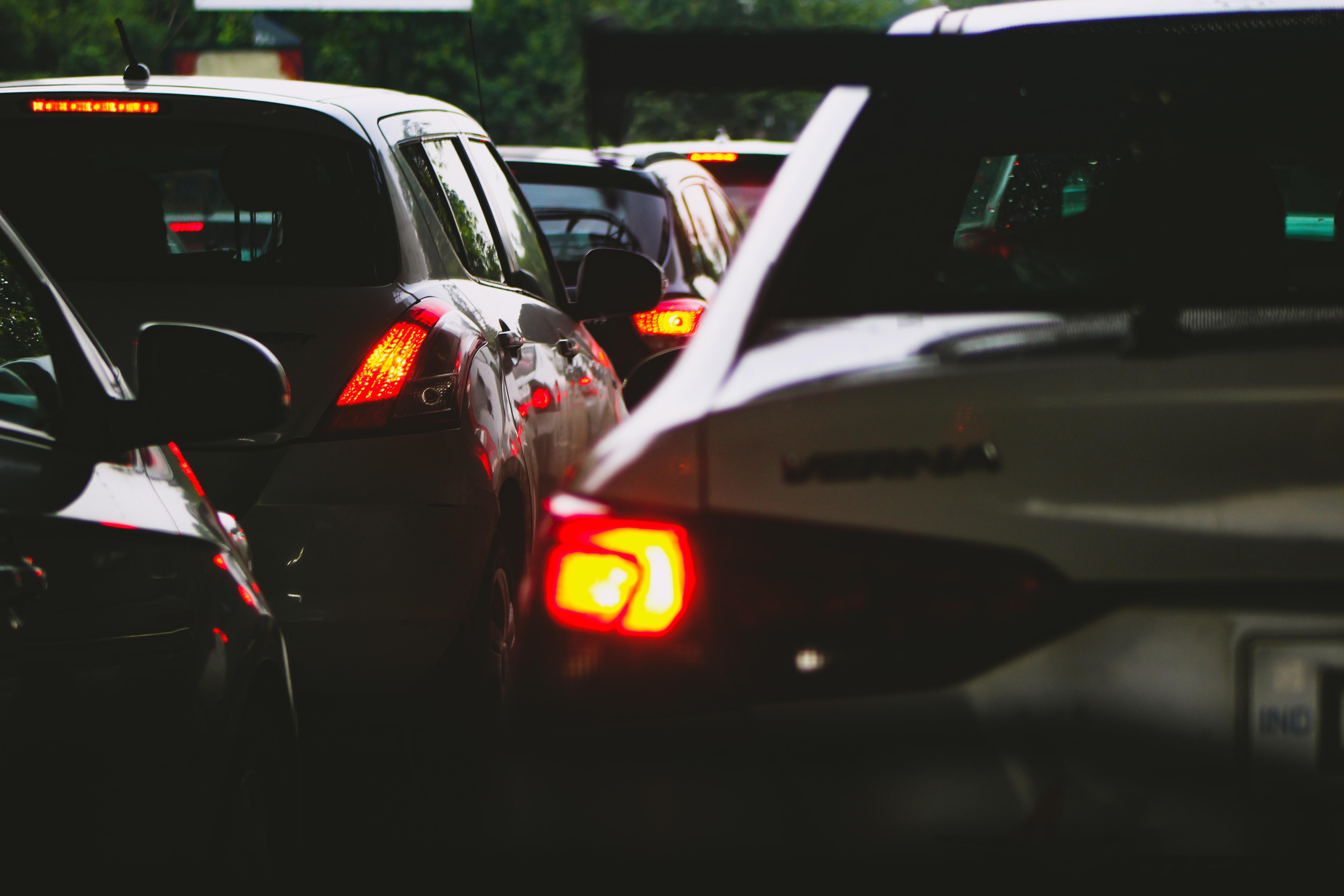 Ciudades analizan nuevas formas para disminuir el tráfico: estudio