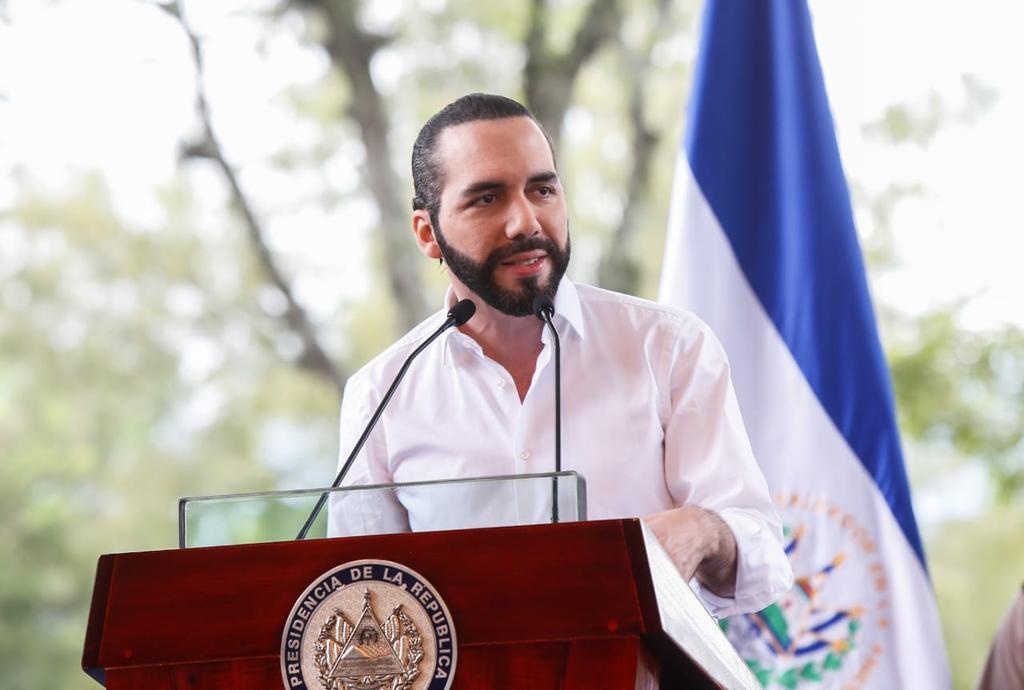 Bukele cede y anuncia propuesta de reapertura económica en El Salvador