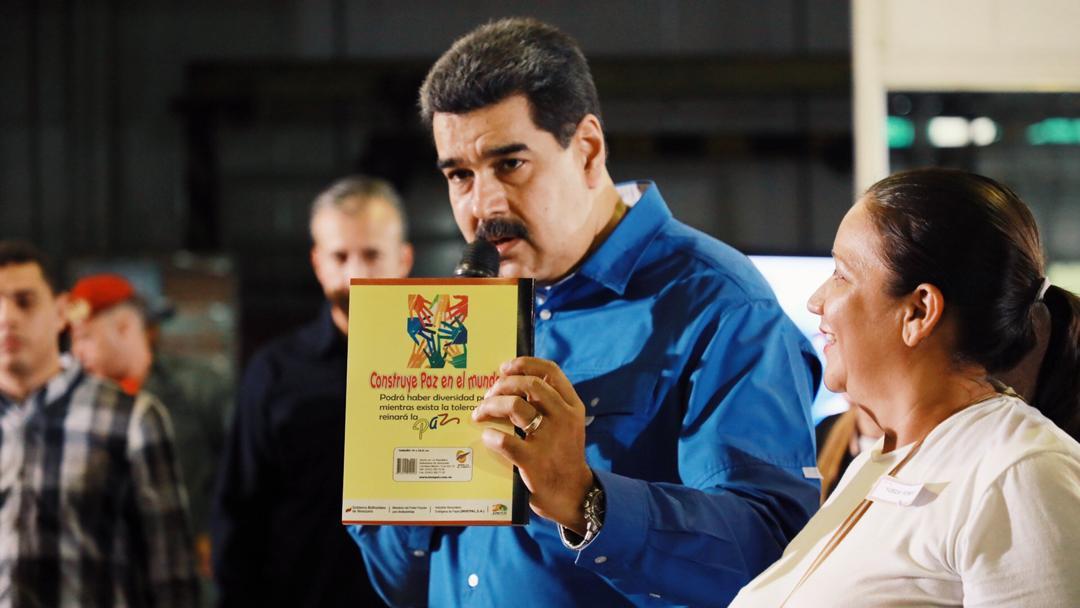 Maduro presenta unas gotas 'milagrosas' que 'neutralizan' el COVID-19