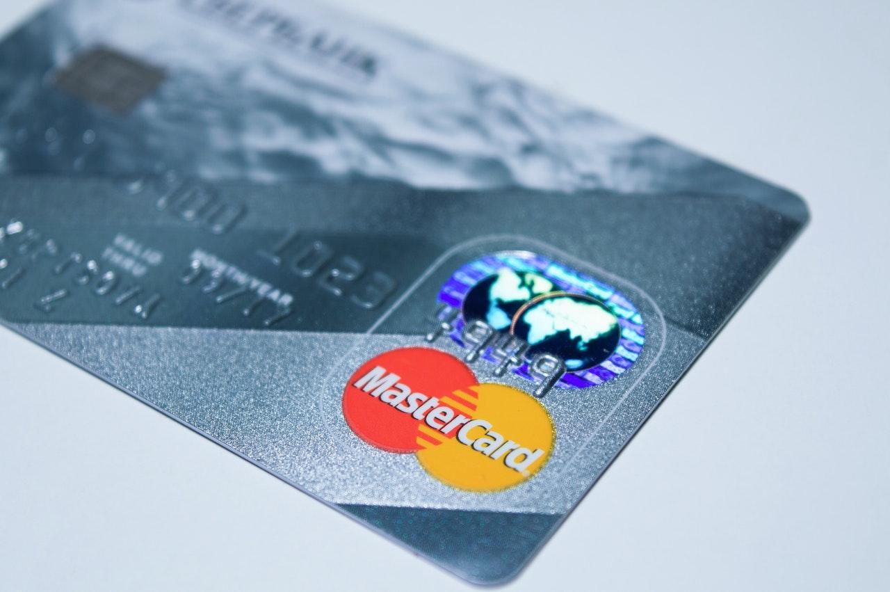 Panamá firma alianza con Mastercard para impulsar su agenda digital