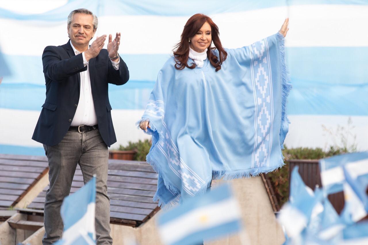 Fernández logra 47% de los votos y Macri 40% en elecciones de Argentina