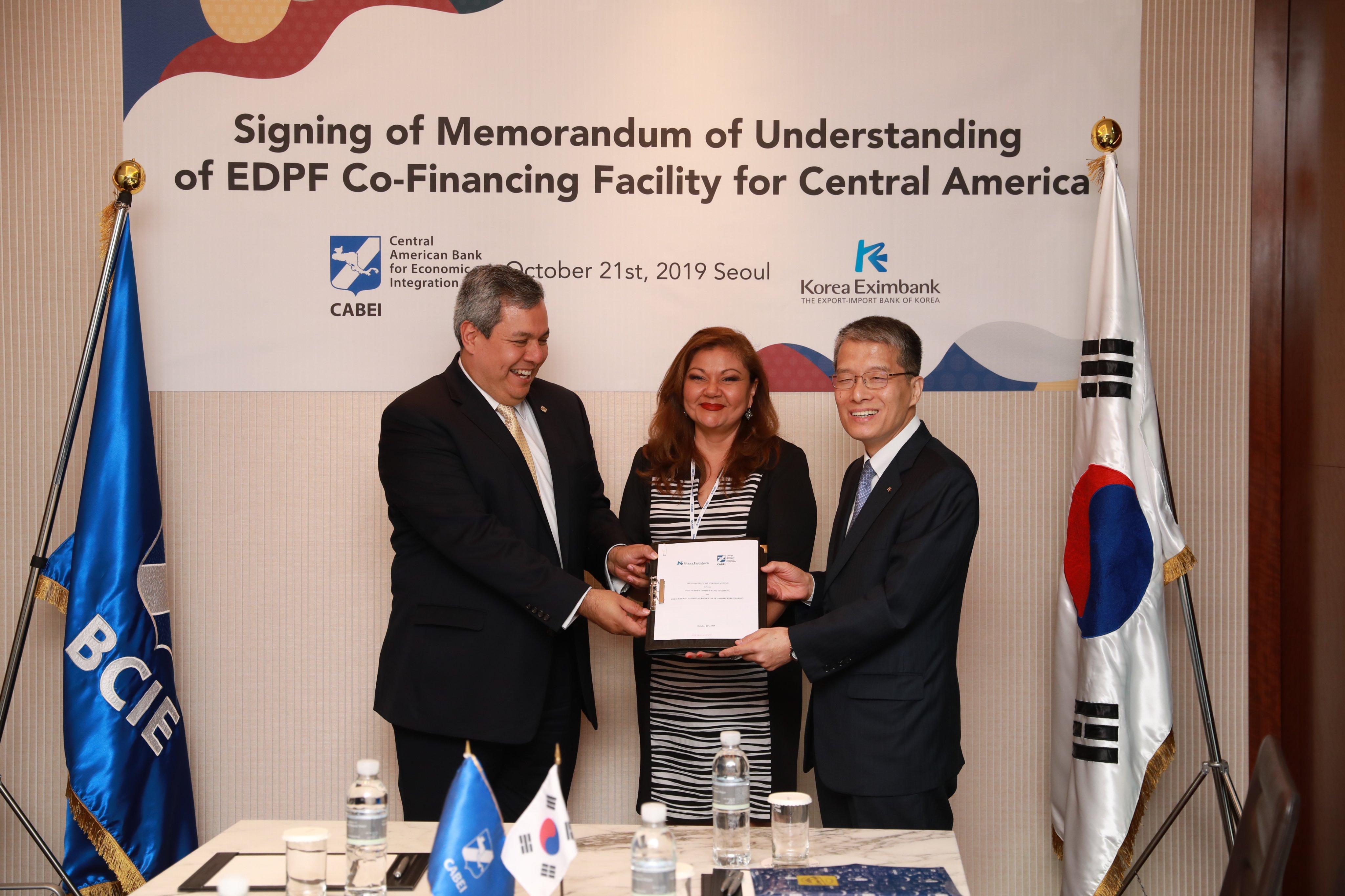 BCIE y Korea Eximbank firman acuerdo de cooperación en la región