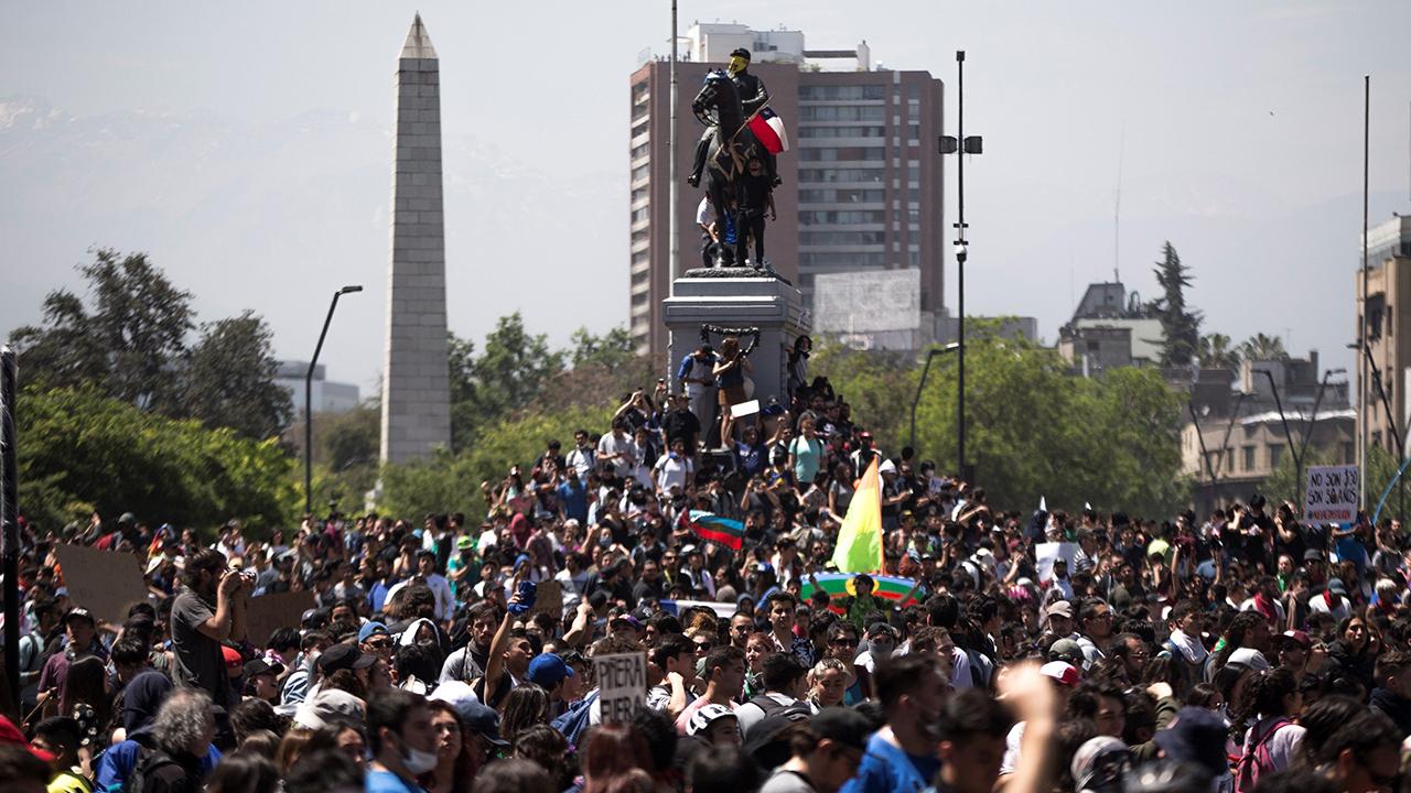 Chile refuerza servicio de urgencias ante protestas por aniversario de crisis
