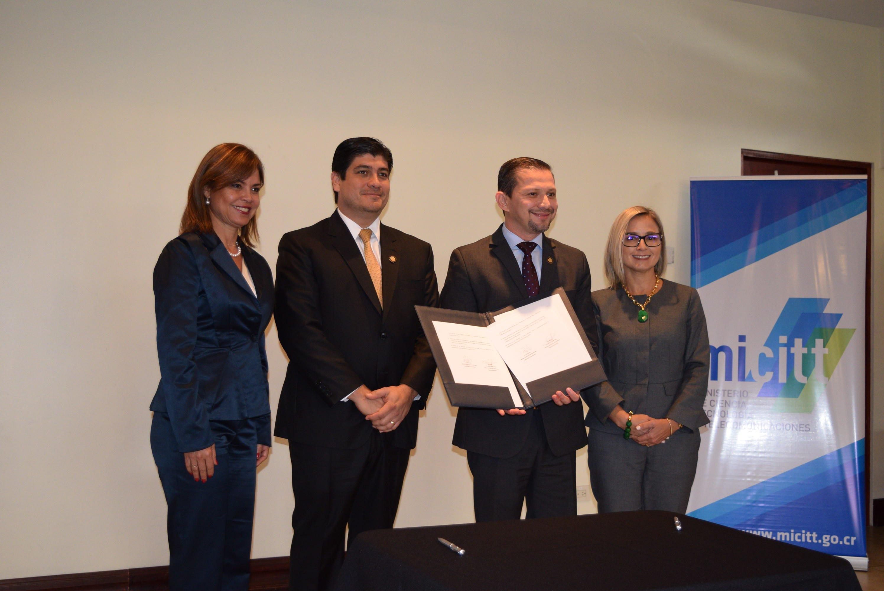 HP Costa Rica firma convenio con el gobierno para transformación digital