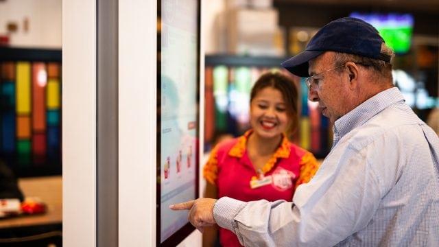Arcos Dorados inaugura nuevo restaurante de McDonald's en Costa Rica