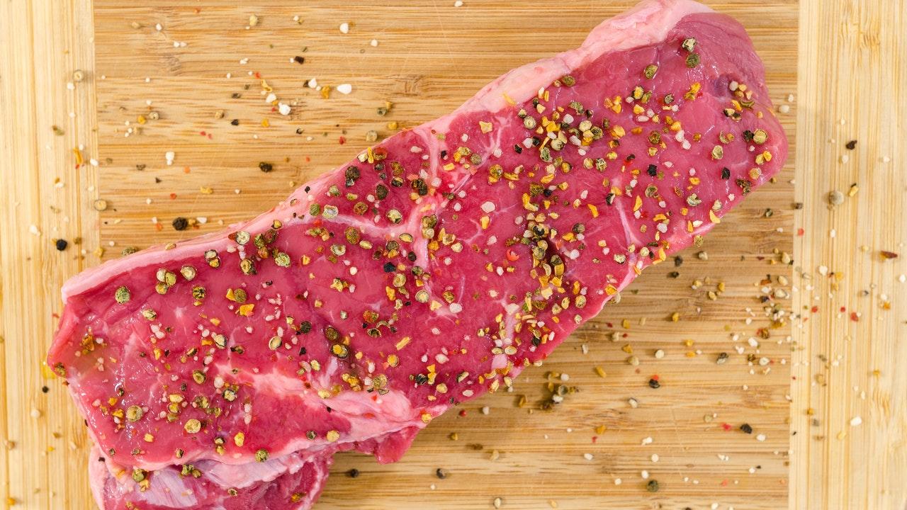 Dejar de comer carne perjudicaría salud de millones de personas