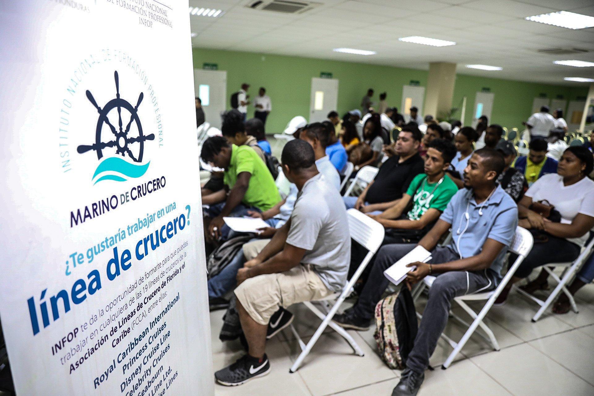 Hondureños se inscriben para trabajar en cruceros