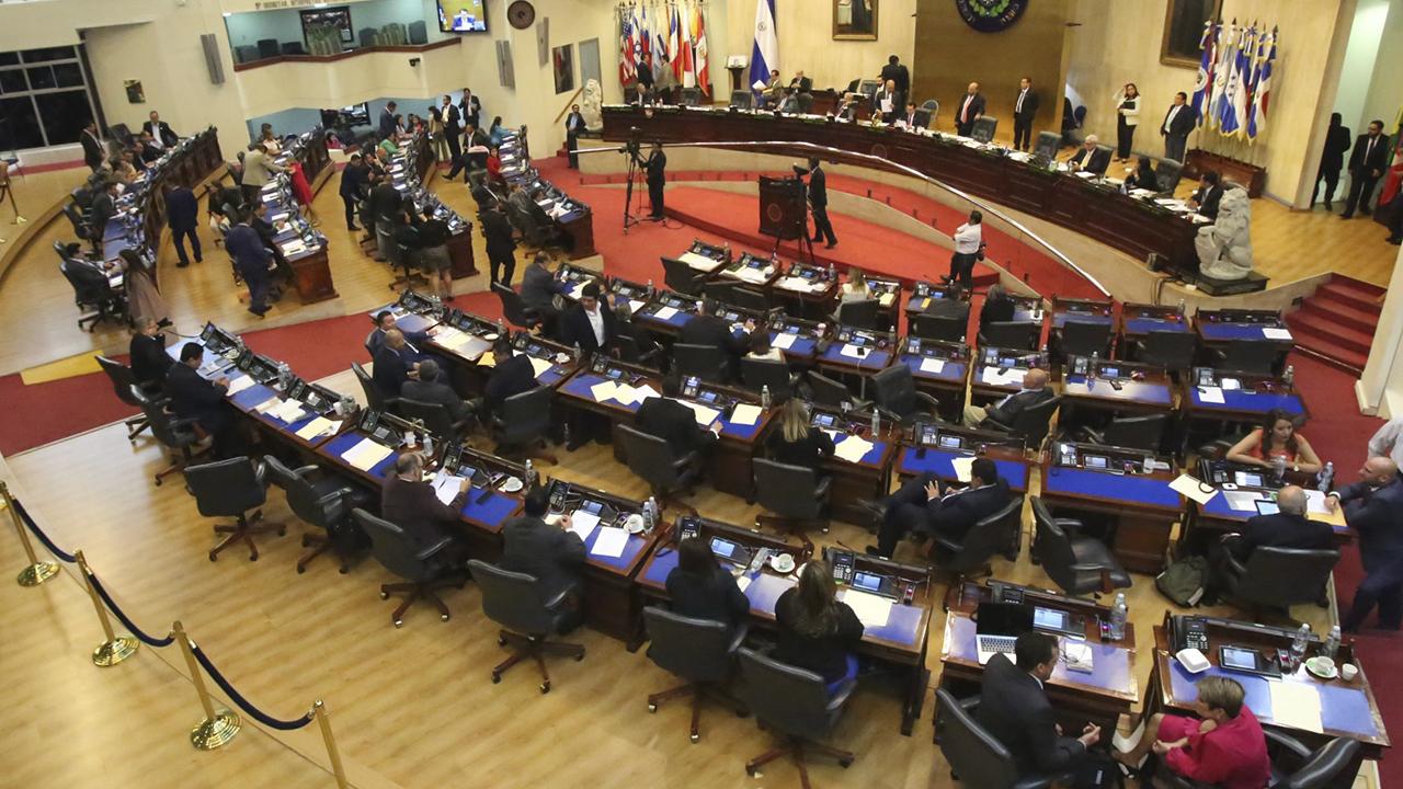 El fiscal de El Salvador propone ley para combatir tráfico de personas
