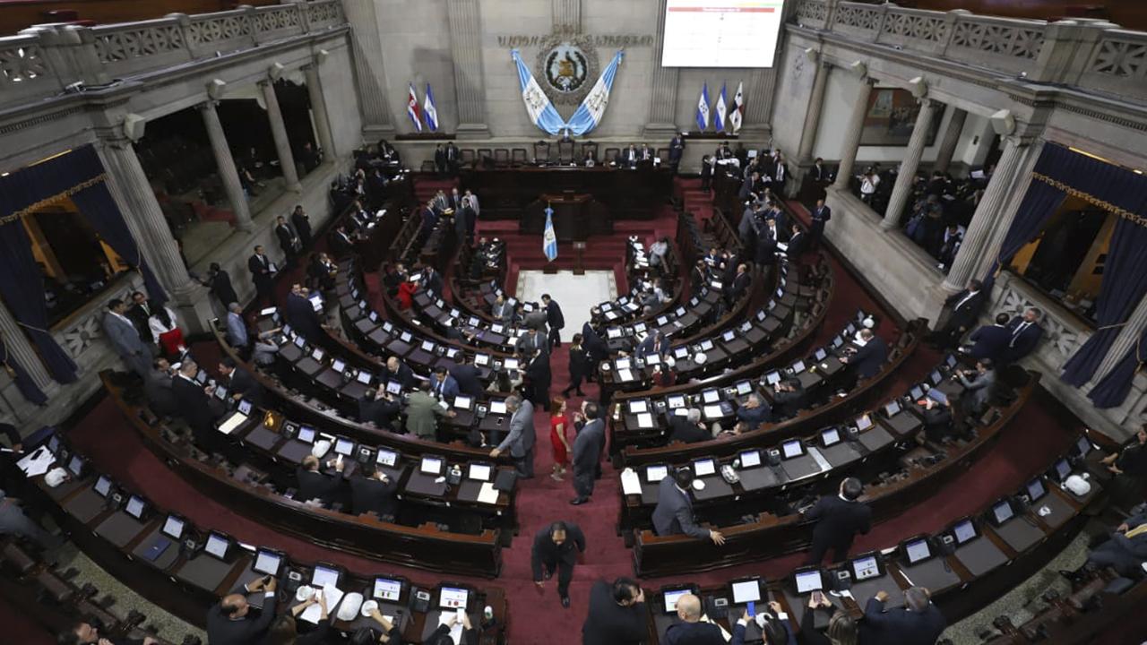 Diputados deben eliminar deuda del COVID-19 en gasto de 2021