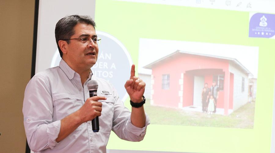 Juan Orlando Hernández pide en EU ampliar el TPS para 44,000 personas