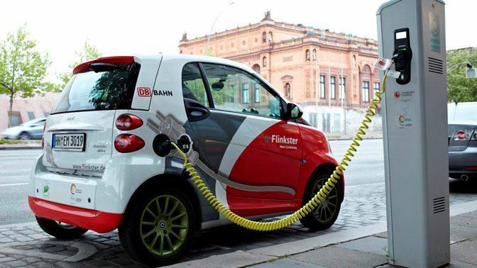 Autos eléctricos, un desafío para estaciones de servicio y centros comerciales