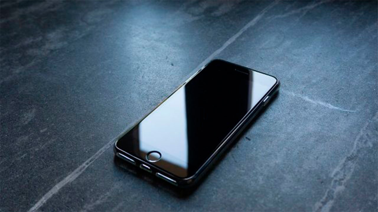 Apple retrasará producción masiva de iPhones en 2020: Wall Street Journal