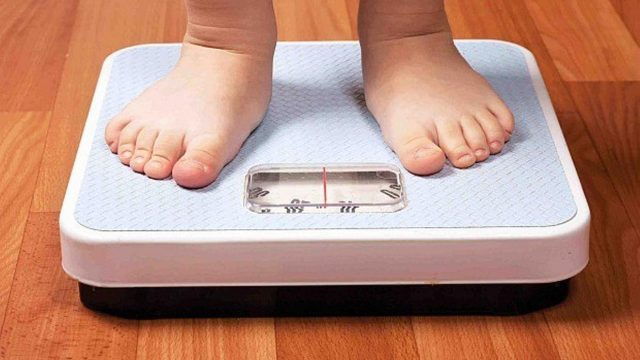 La obesidad adolescente eleva el riesgo de infarto cerebral antes de los 50