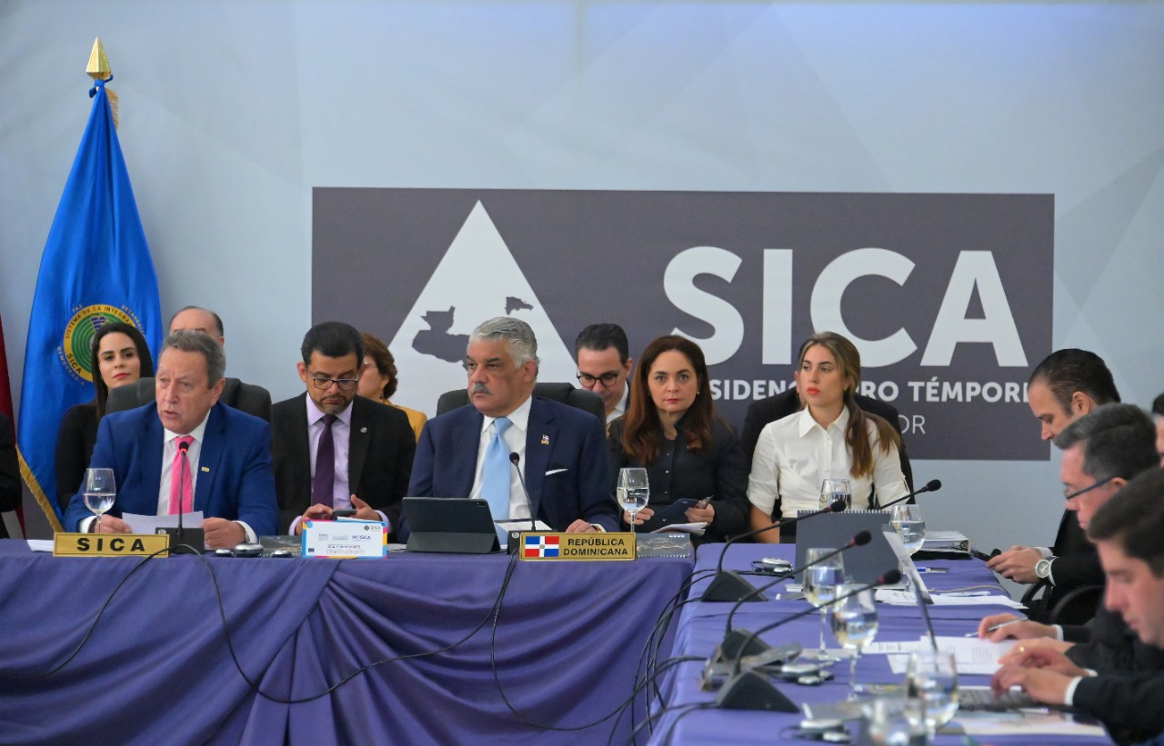 SICA y Cenpromype impulsan foro sobre emprendimiento y soluciones financieras