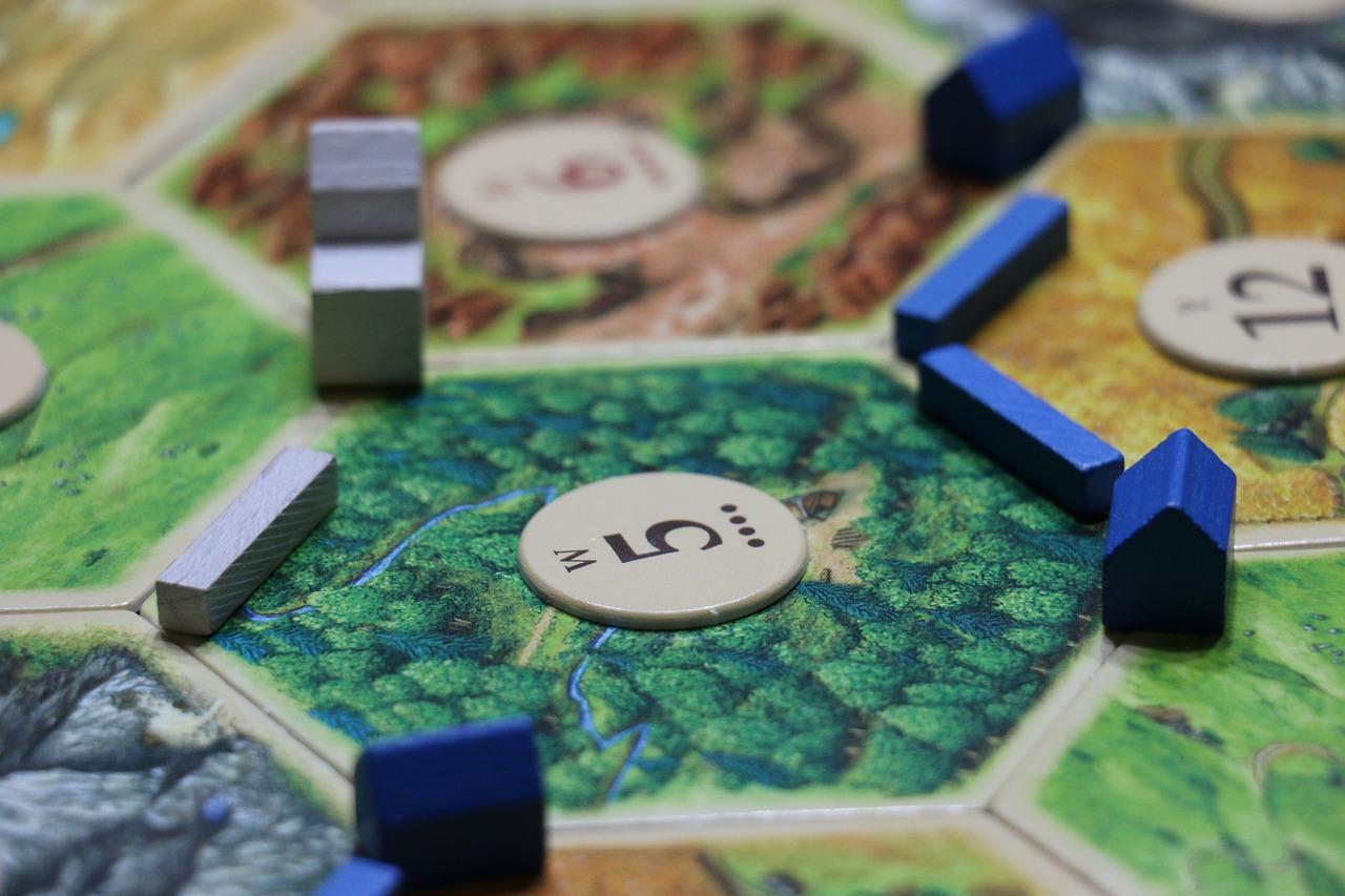 Este juego de mesa le enseñó negocios a Mark Zuckerberg y Reid Hoffman