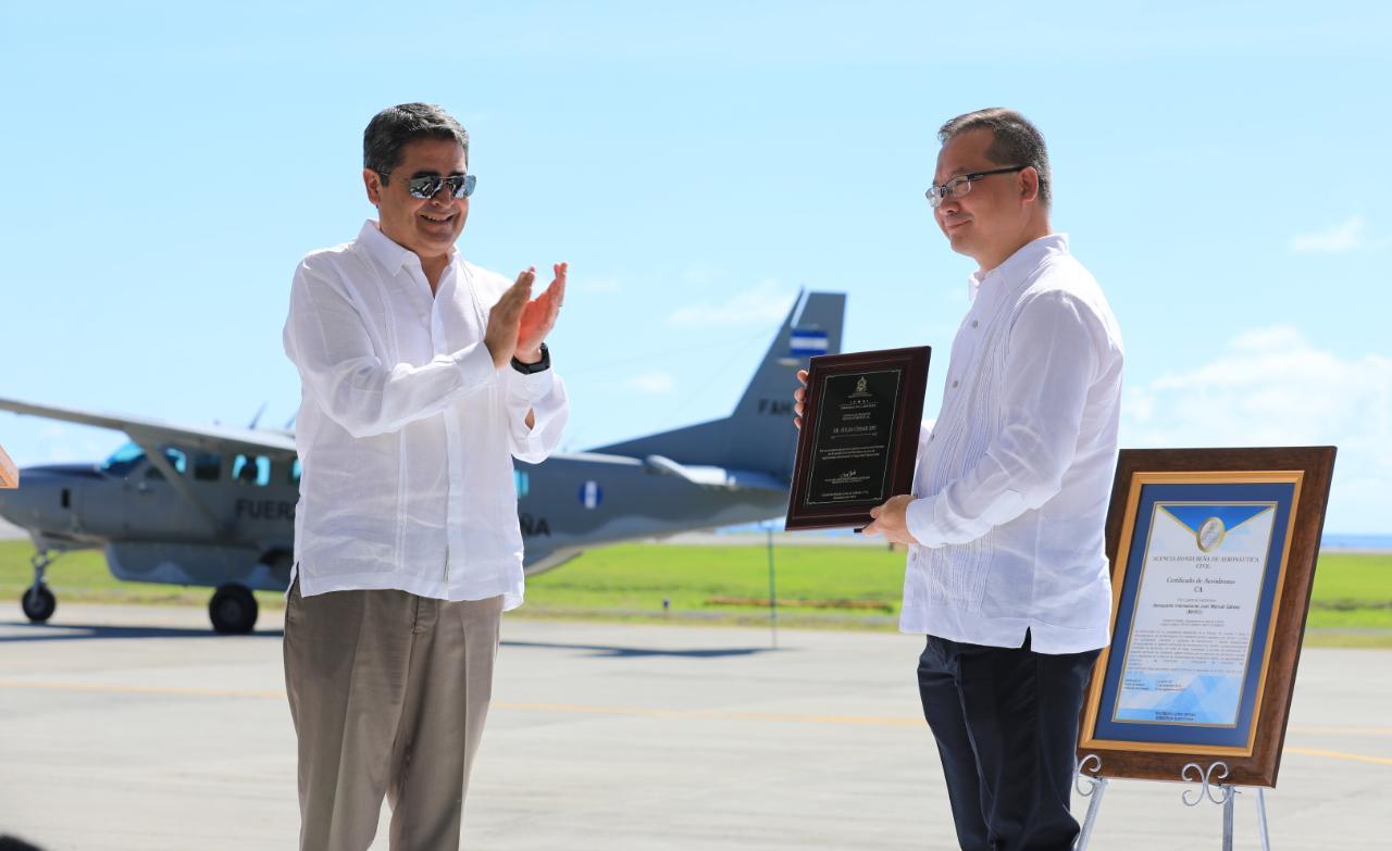 Honduras: Aeropuerto de isla de Roatán recibe certificación internacional