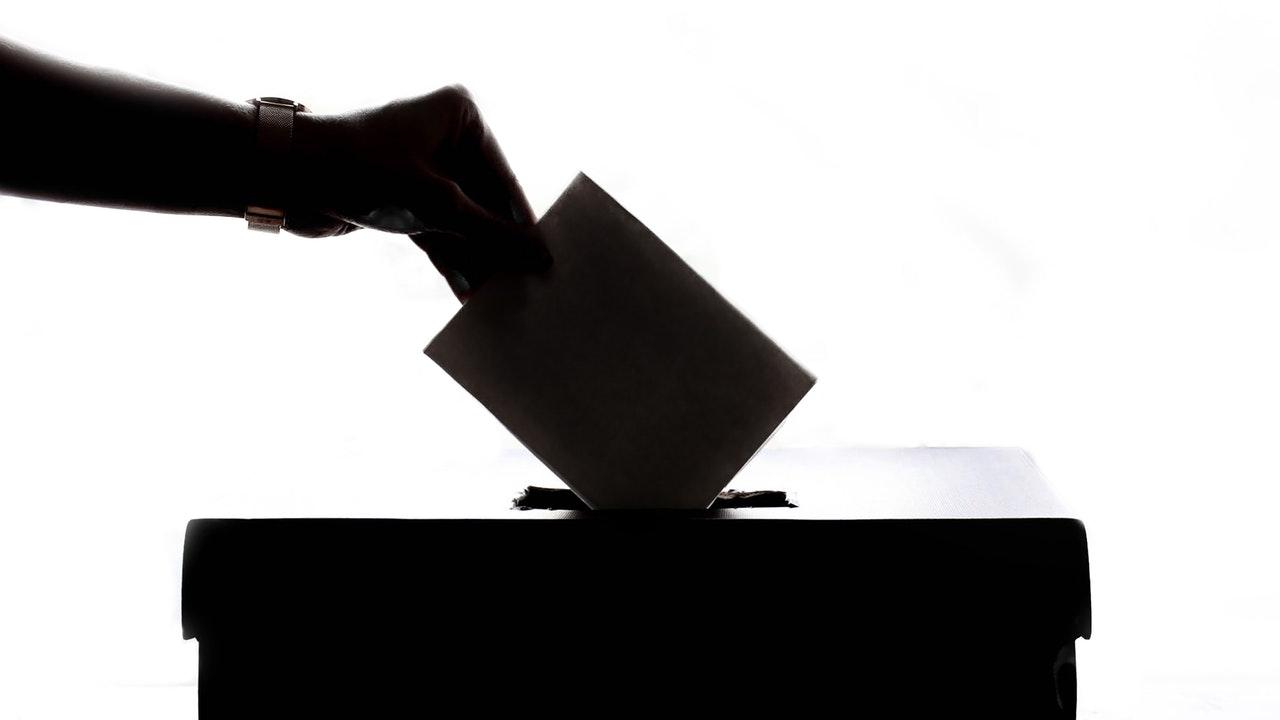 Estudio: El 52% de los nicaragüenses no simpatiza con ningún partido político