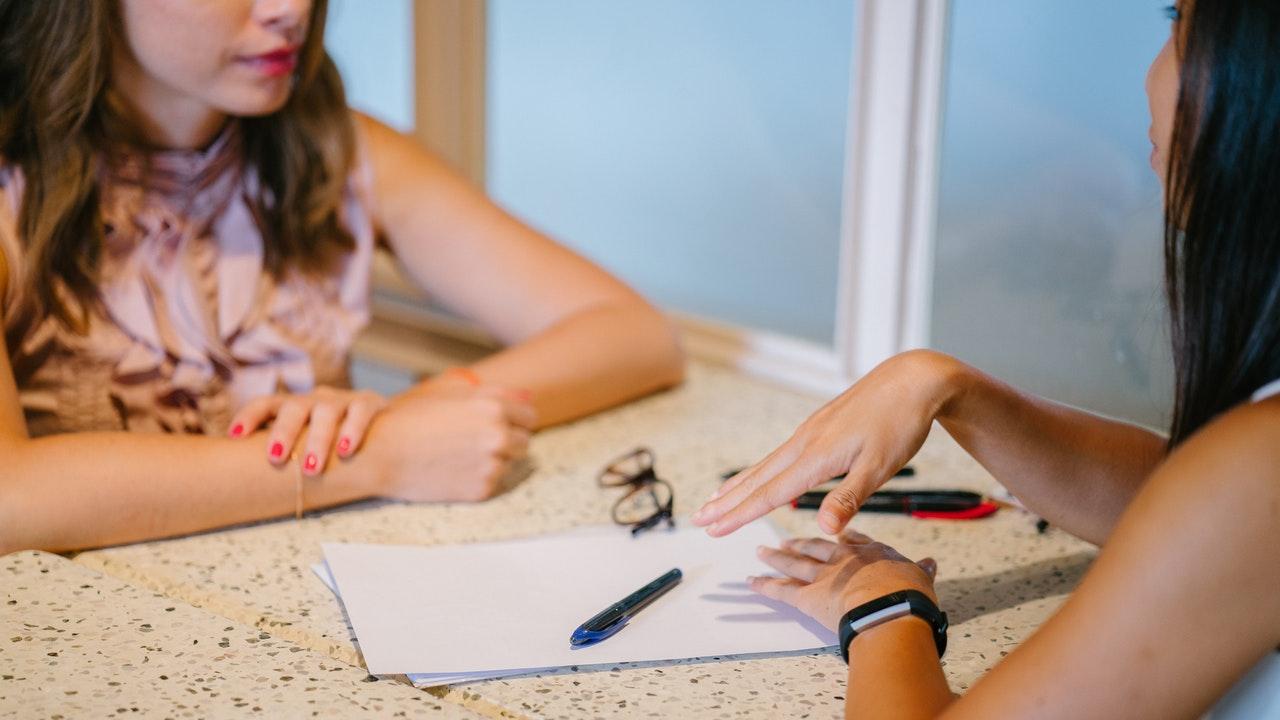 Cómo responder 5 preguntas incómodas durante una entrevista de trabajo