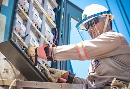 Elecnor hará 4 parques solares para AES Panamá por 50 mdd