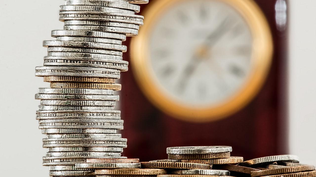 Panamá aprueba alivio tributario para reactivar economía del país