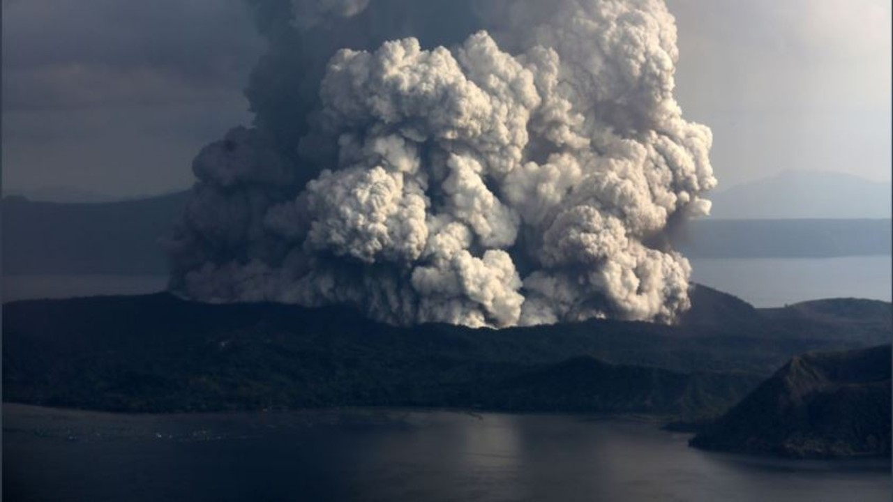 Filipinas realiza una masiva evacuación ante mayor actividad del volcán Taal