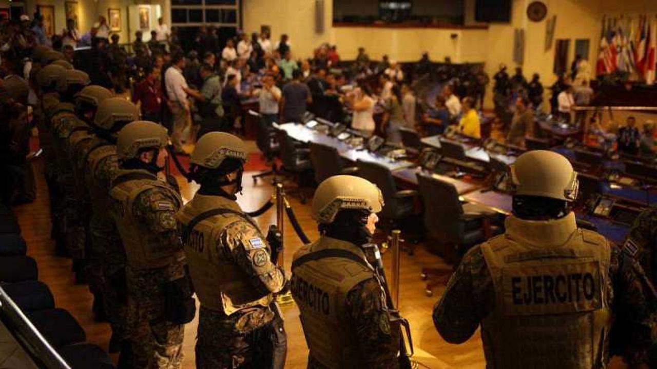 """BCIE asegura ser un ente """"apolítico"""" ante conflicto político en El Salvador"""