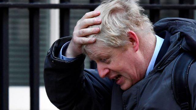 Johnson niega que el R. Unido haya bloqueado la exportación de vacunas