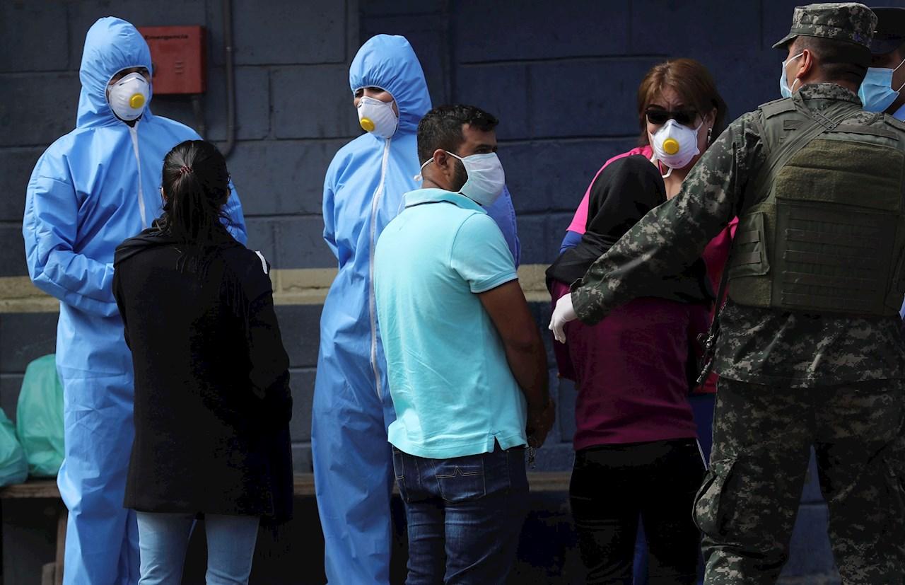 Empresarios hondureños piden suspender actos políticos y habilitar hospitales