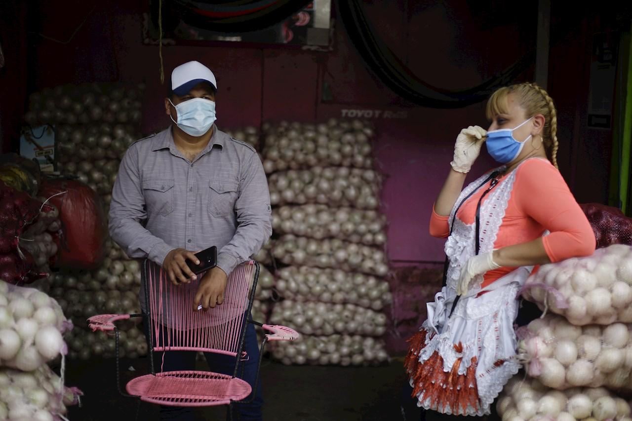 El Salvador pide no abarrotar supermercados y llama a la calma ante COVID-19