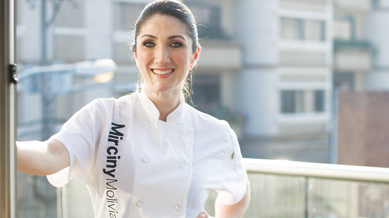 Mirciny Moliviatis 'le pone sabor' a los negocios