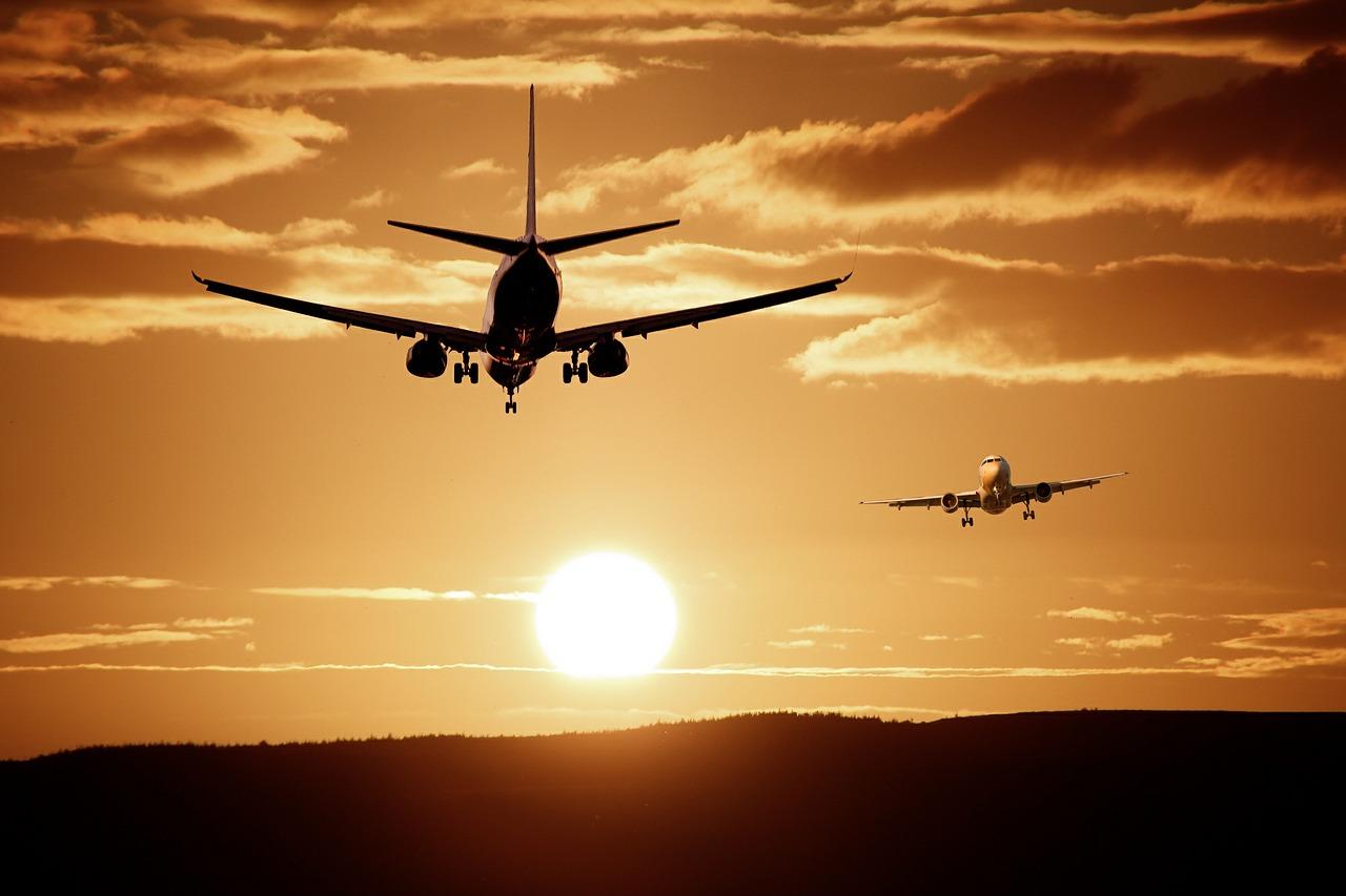 17 aerolíneas, listas para reiniciar vuelos en El Salvador