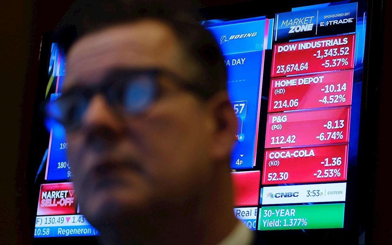 Wall Street abre en verde y el Dow sube un 0.10% en medio de volatilidad