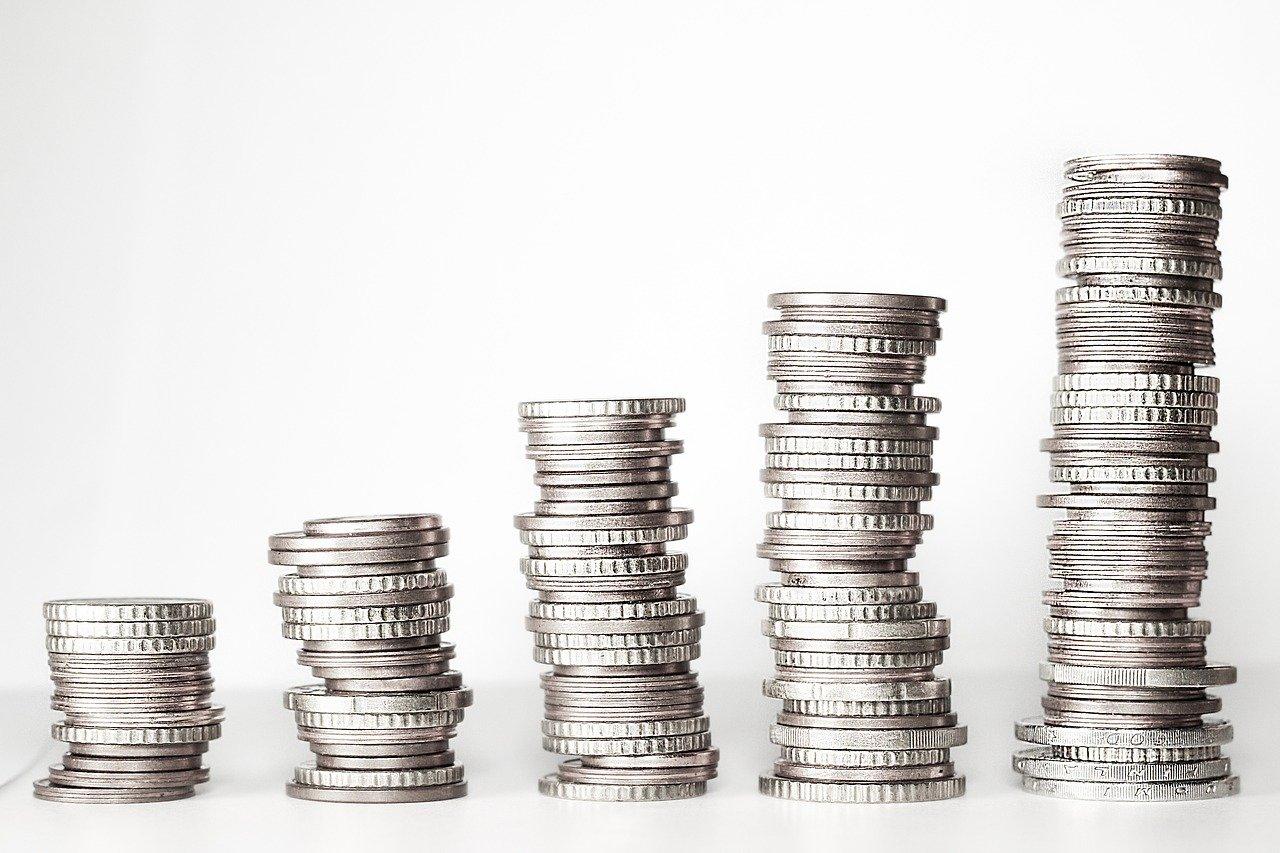 General Electric reporta menor salida de efectivo y confirma posición 2021