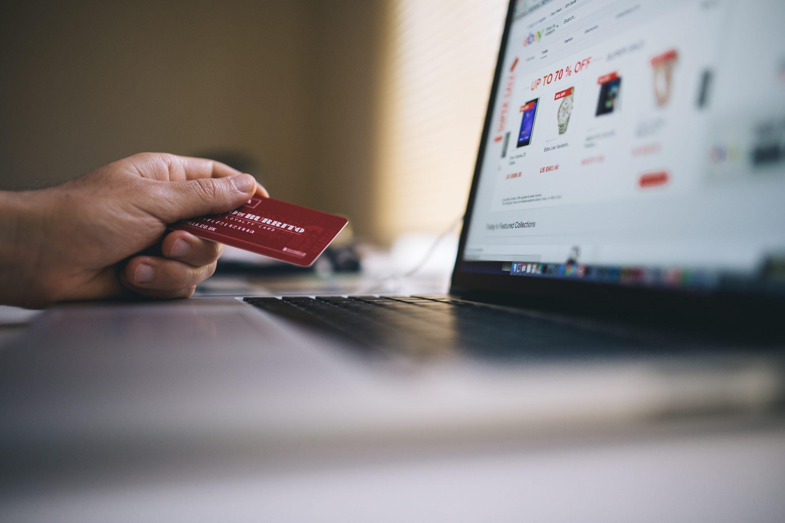 Una cuarta parte de la población consume por comercio electrónico