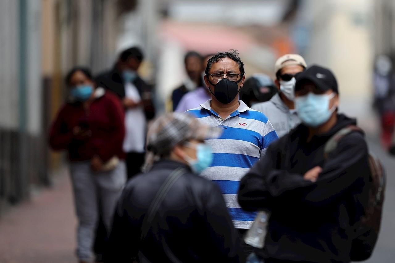 Grecia comienza el traslado de personas vulnerables de islas a continente