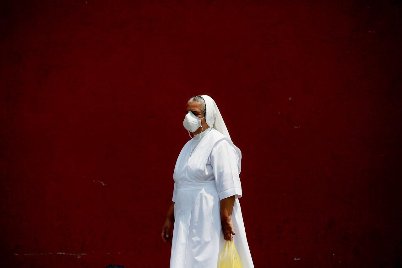 República Dominicana multa con 1,724 dólares por no usar mascarilla