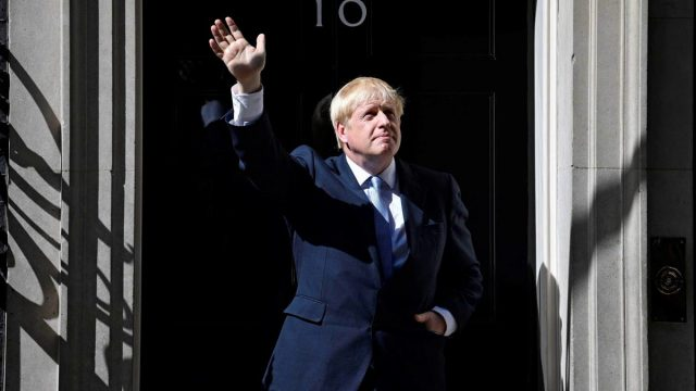 Johnson anuncia un confinamiento de un mes para Inglaterra