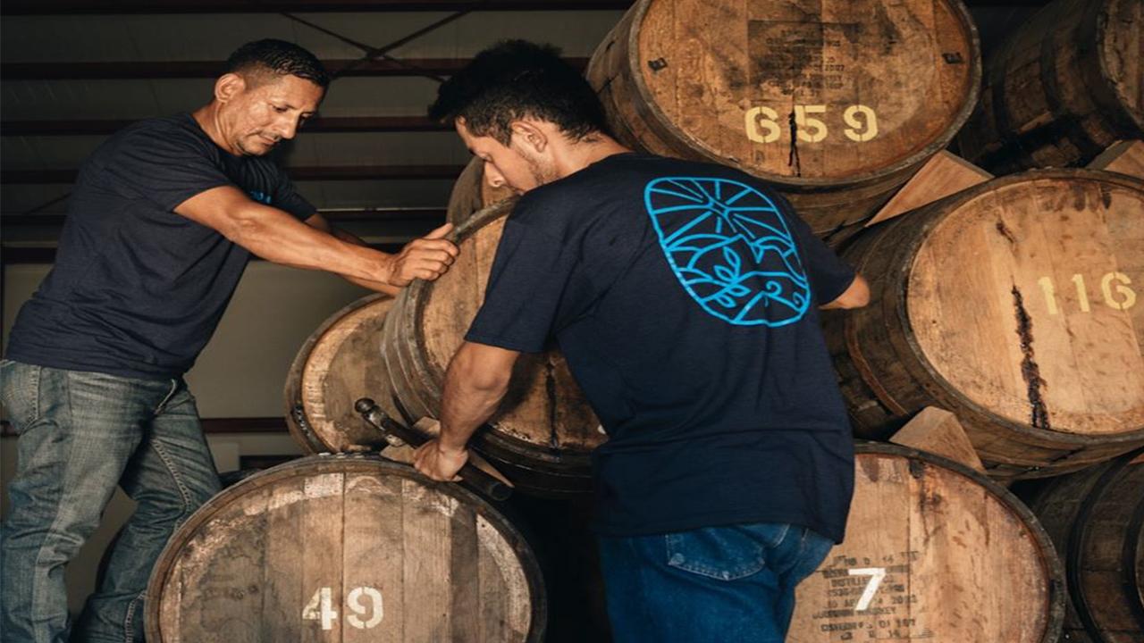 Ron Cihuatán producirá alcohol líquido sanitizante para El Salvador