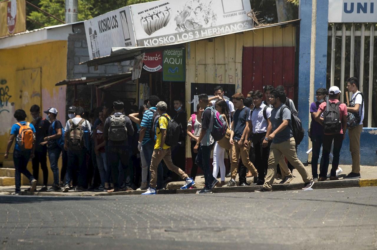 Opositores se suman al llamado médico de cuarentena voluntaria en Nicaragua
