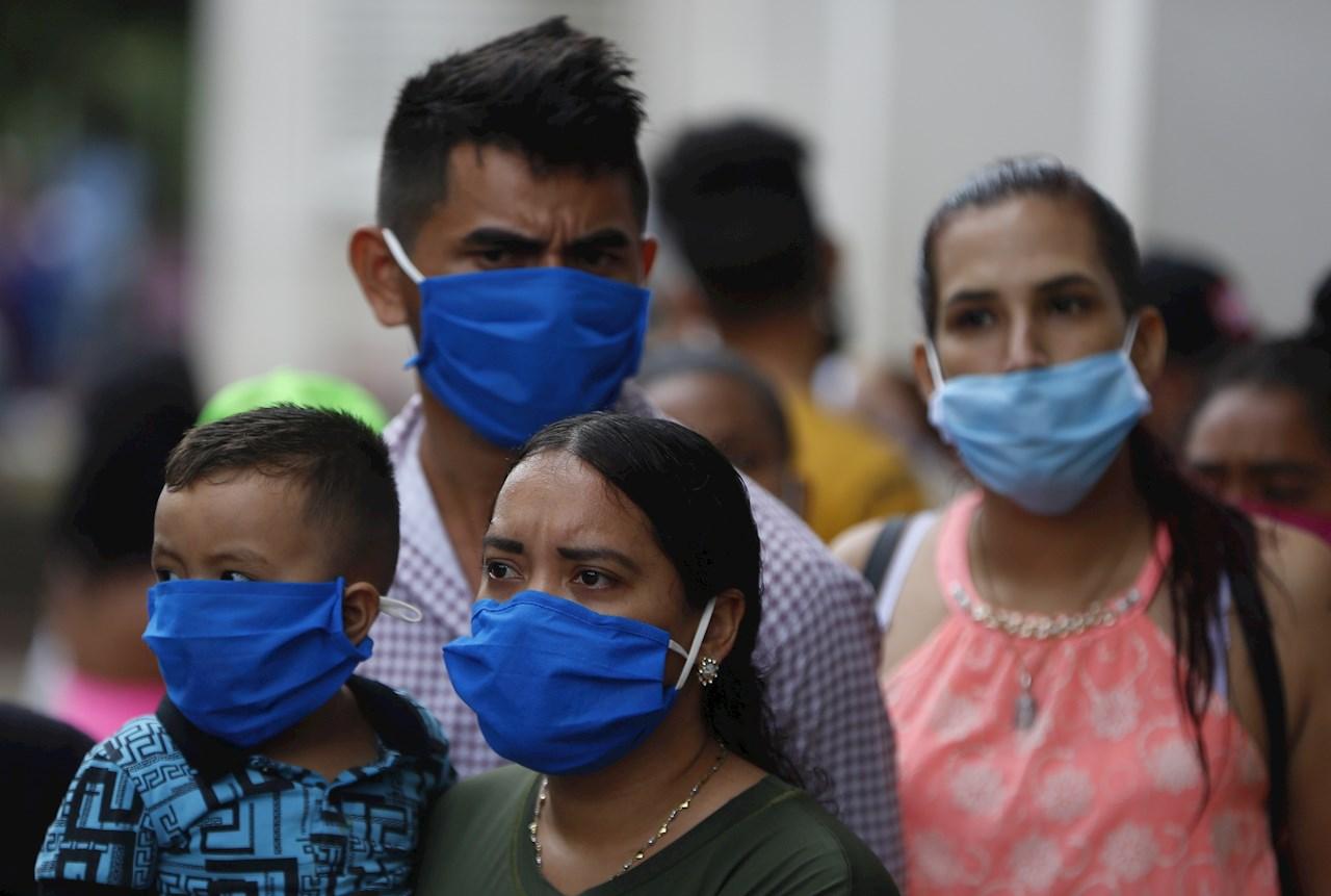 El Salvador sigue sin una tendencia a la baja de contagios por COVID-19