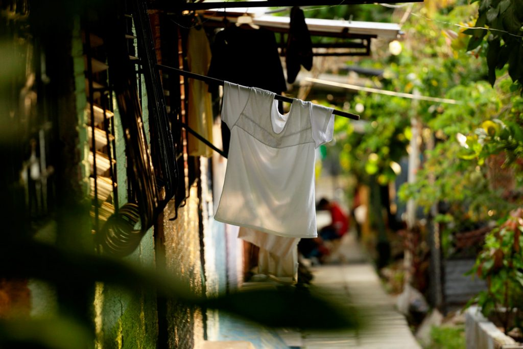El Salvador, pobladores se quedan sin alimento, banderas blancas